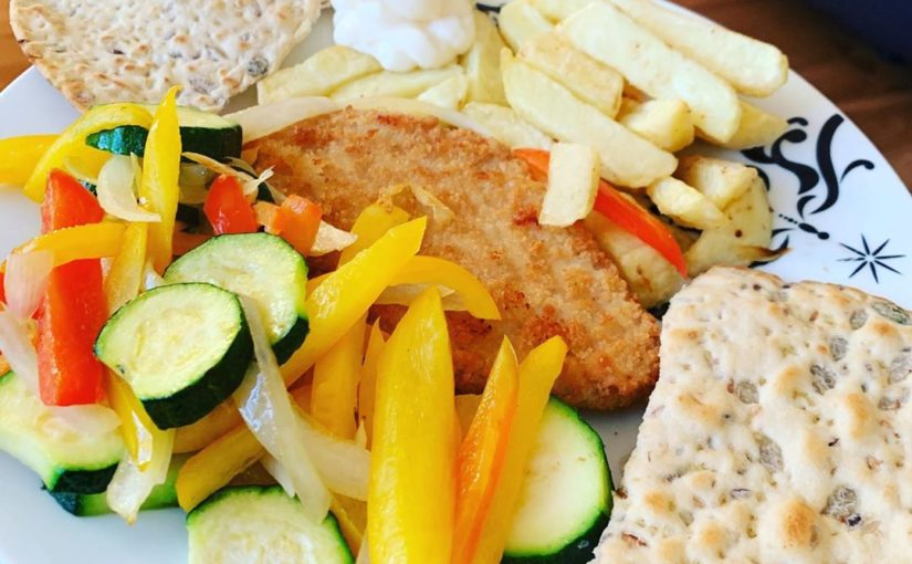 Turkey Escalopes, flatbread, Tesco pre cut chips (really recommend) mixed vegetables and …